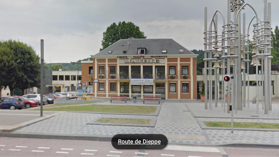 La fillette a été repérée par une connaissance de la maman à proximité de la mairie de Notre-Dame-de-Bondeville (Illustration)