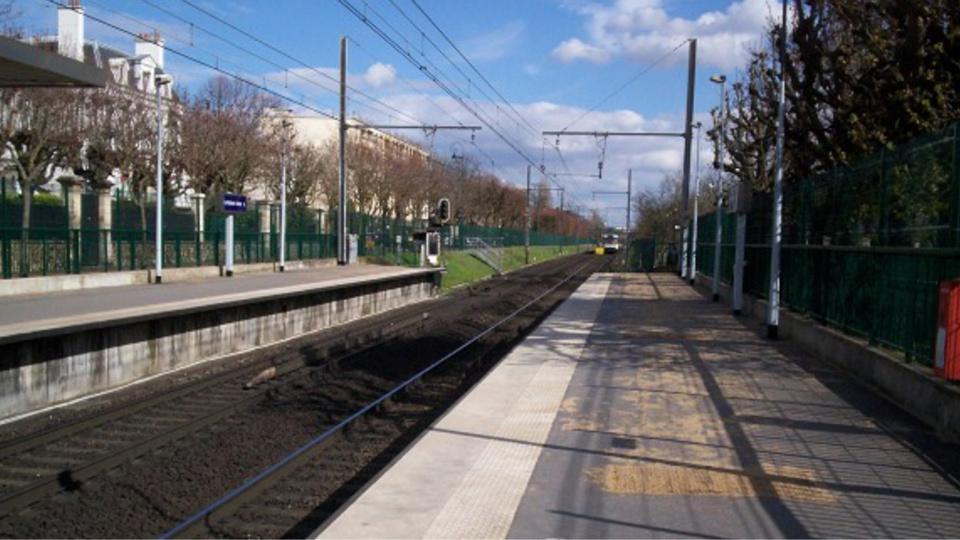 Le Vésinet : un homme gravement malade met fin à ses jours en se jetant sous le RER