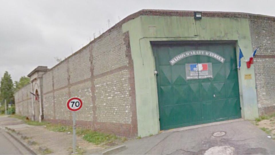 Le Vernonnais a été placé en détention provisoire à la maison d'arrêt d'Évreux. Il encourt les assises. (Illustration)