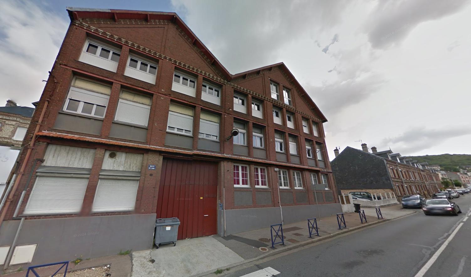 Selon les secours le feu se serait déclaré dans une cloison de l'immeuble (Illustration)