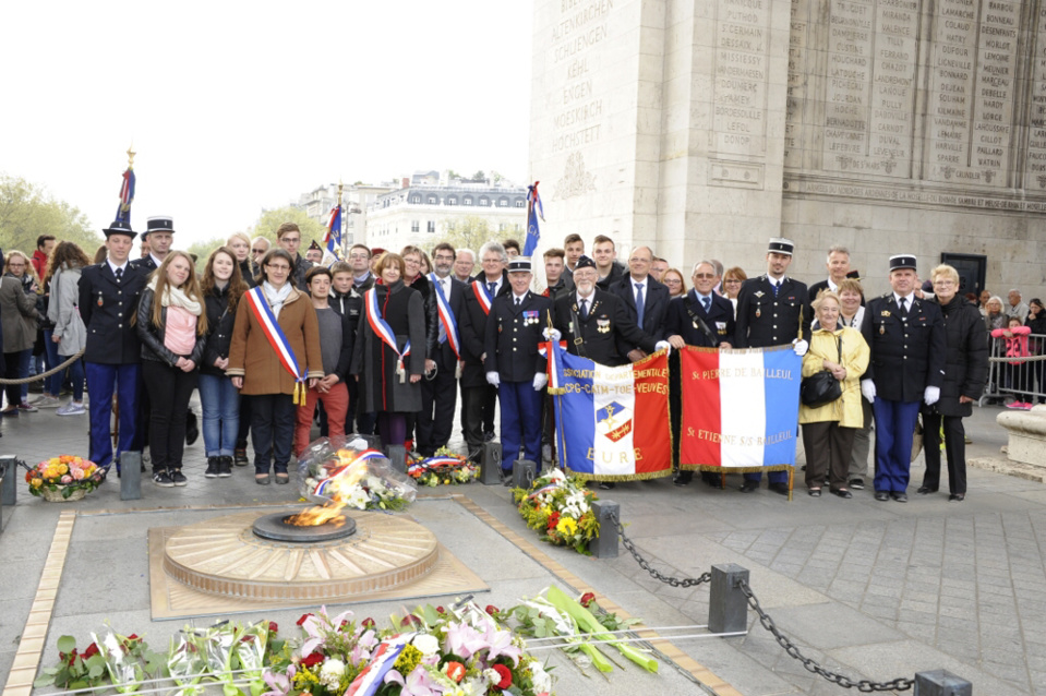 Gaillon : gendarmes et lycéens réunis autour du devoir de mémoire