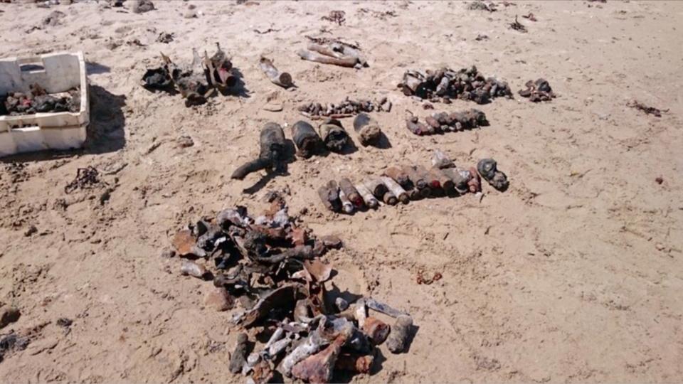 A  Réville (Manche), 134 engins explosifs découverts dans un blockhaus sur la plage ont été neutralisés par les plongeurs-démineurs il y a une quinzaine de jours (Photo@Marine nationale)