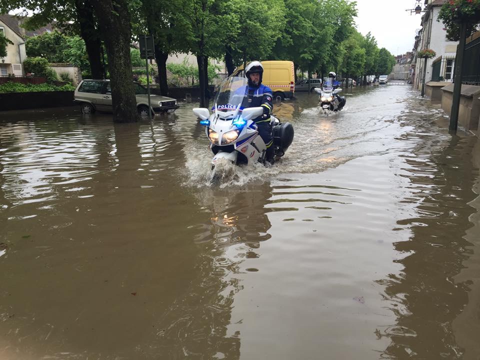 Aujourd'hui à Nemours (Seine-et-Marne), 3 000 personnes ont été évacuées vers des centres d'hébergement (Photo@ville de Nemours)