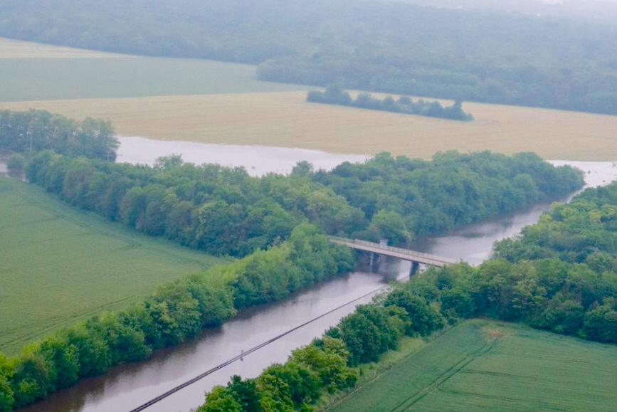 Vue aérienne de l'autoroute A10 totalement inondee au nord d'Orléans (Photo@Vinci)