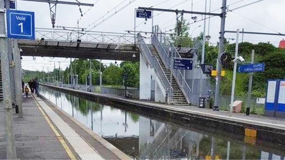 La gare de Souppes, en Seine-et-Marne, est inondée