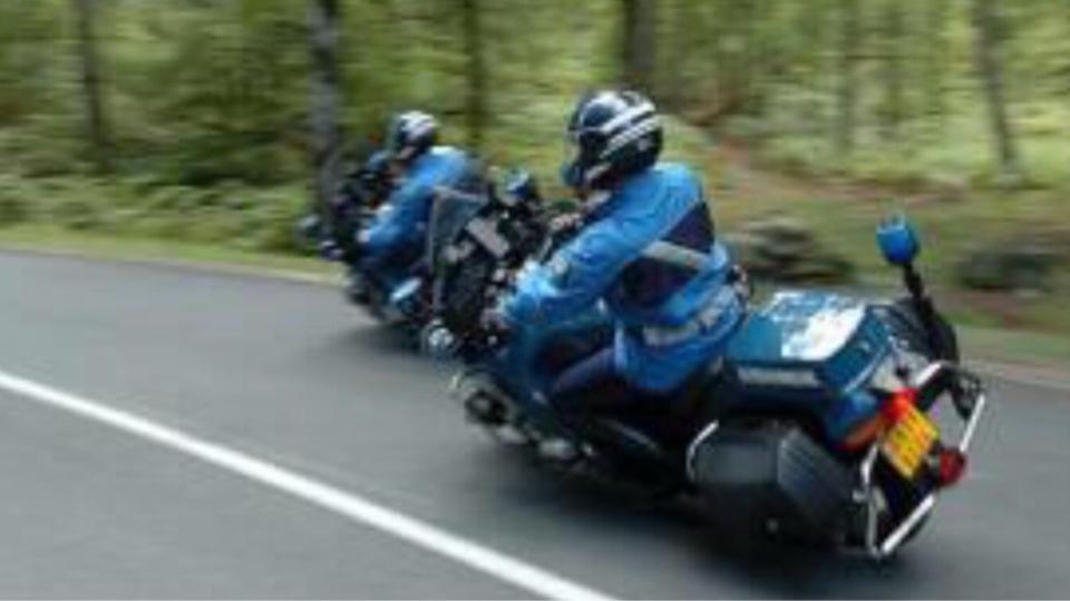 Le chauffeur routier a été intercepté par les motards sur l'autoroute A28 (illustration)
