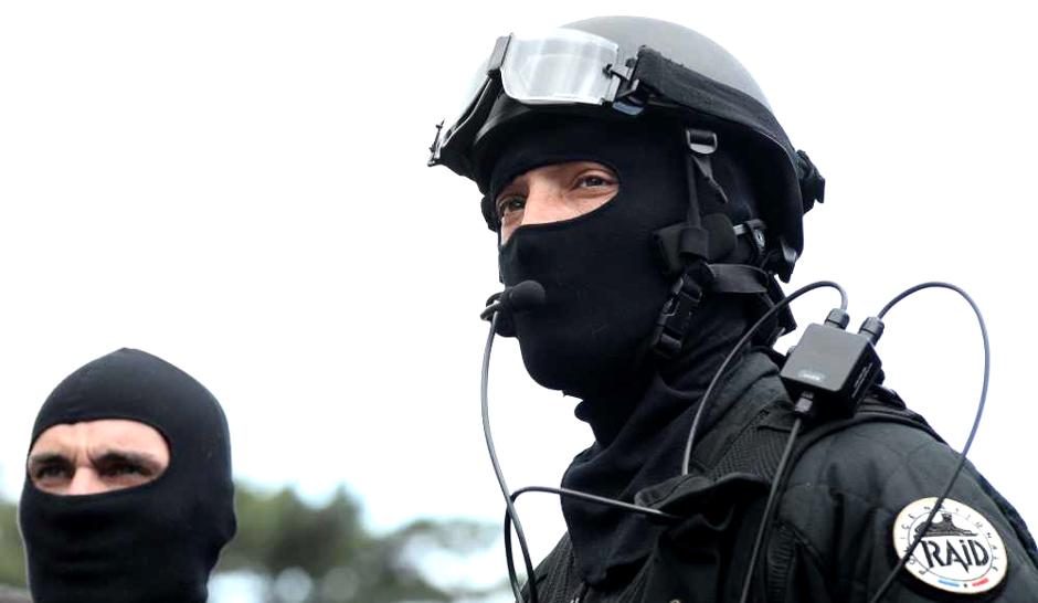 Les hommes du RAID tentaient en début de nuit d'obtenir la reddition du meurtrier et preneur d'otages (Illustration)