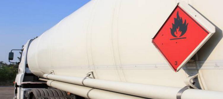 L'un des poids-lourds transportait du carburant (Illustration)