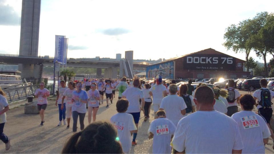 """Rouen : la """"Holi Run"""", une course haute en couleurs"""