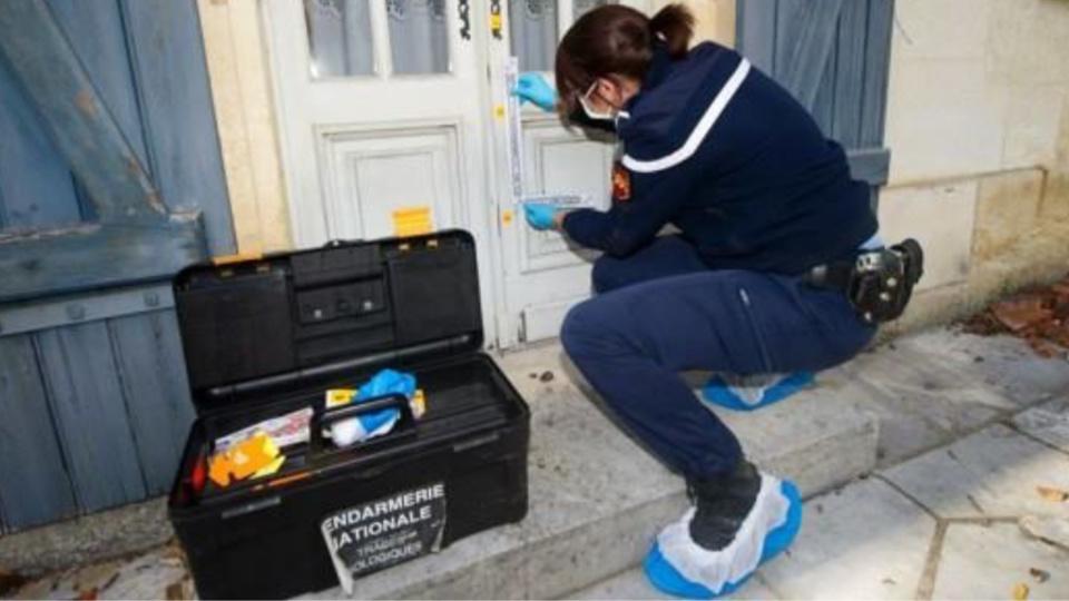 La cellule d'identification criminelle a procédé à des constatations de police technique et scientifique dans le pavillon, notamment à la recherche de traces ADN (illustration@Gendarmerie)