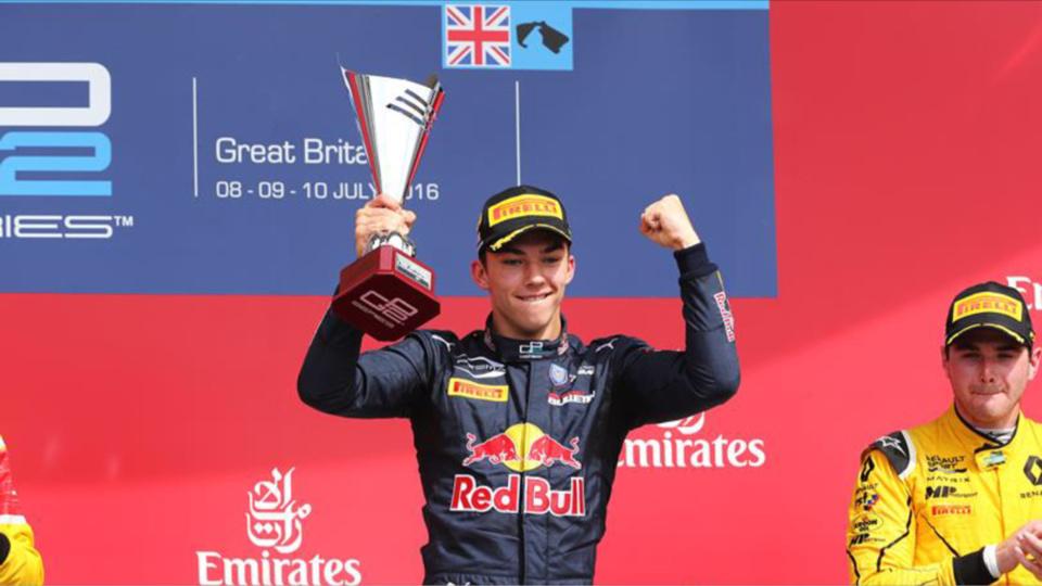 Pierre Gasly samedi sur le podium de Silverstone (Photo@FFSA)