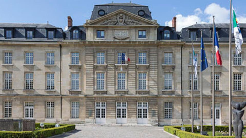Le personnel du Conseil régional est invité à se recueillir lundi 18 juillet dans la cour d'honneur à Rouen