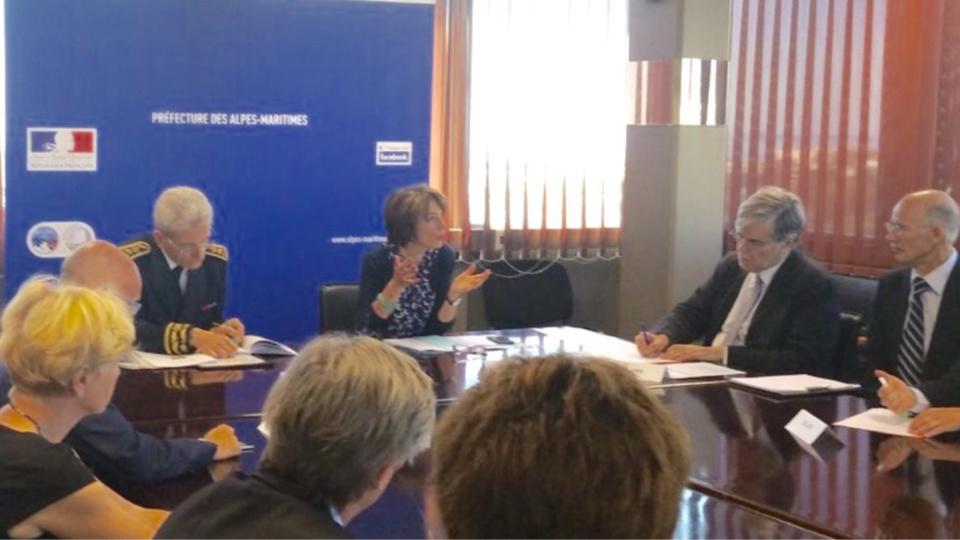 Marisol Touraine a annoncé les dispositions prises en faveur des victimes des attfntats, lors d'une réunion ce dimanche à la Prefecture des Alpes-Maritimes (photo@M. Touraine/Twitter)