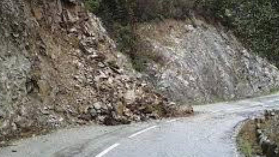 La route est coupée dans les deux sens (photo@gendarmerie/Facebook)