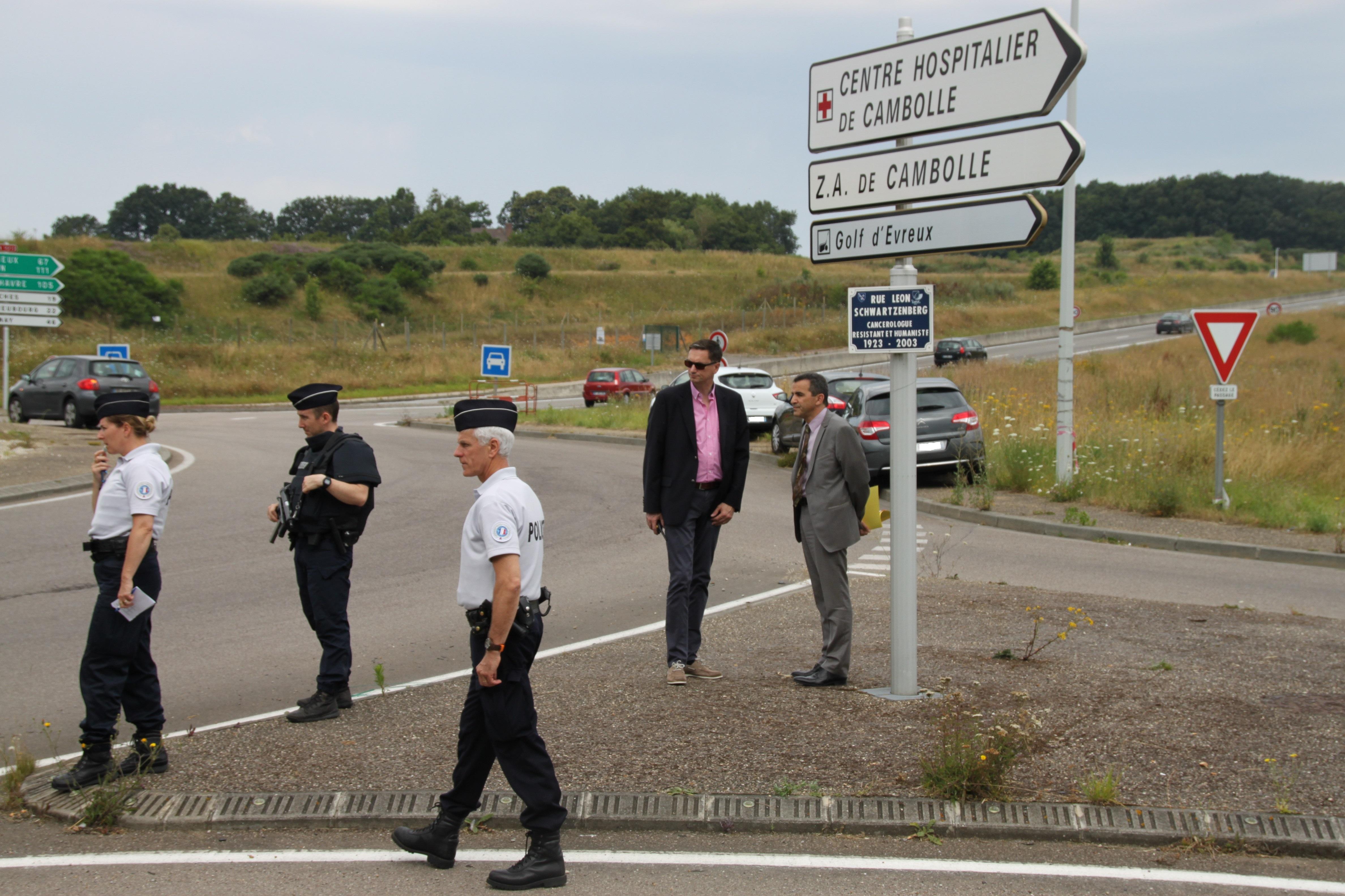 Lors du contrôle au carrefour de Cambolle, à proximité de l'hôpital (Photo@Préfecture27)