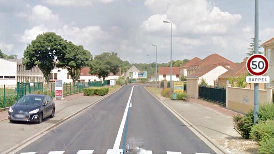L'accident s'est produit sur cette ligne droite. La Clio s'est immobilisée sur le toit devant le lycée agricole, avenue de l'Europe (illustration@Google Maps)