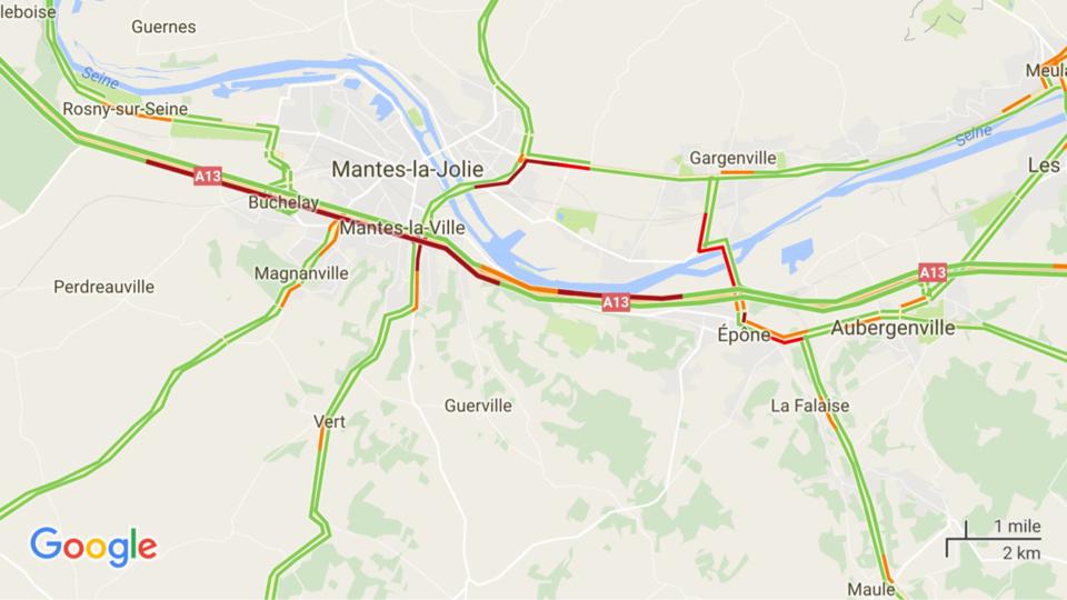 Carambolage sur l'A13 à Guerville (Yvelines) : l'autoroute coupée dans les deux sens