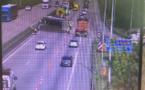 Un semi-remorque couché sur l'A13 à Oissel (Seine-Maritime) : trafic très perturbé en direction de Rouen