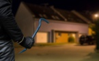 L'Ebroïcien a reconnu en garde à vue dix-sept cambriolages et vols à la roulotte -Illustration © iStock