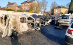 Cinq véhicules ont été entièrement détruits par le feu dimanche près de l'Intermarché de Brionne - photo @ gendarmerie