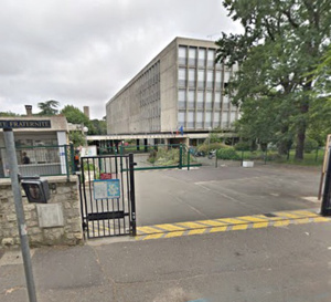 Les faits se sont déroulés devant le lycée Le Corbusier - illustration