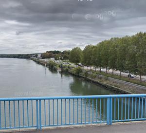 Le corps flottait à la surface de la Seine à hauteur du centre médico-social - illustration @ Google Maps