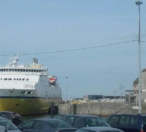 Le poids lourd s'apprêtait à embarquer sur le ferry à destination de New Haven en Angleterre  - Photo @ infonormandie