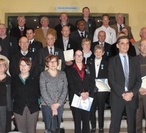Vingt-sept dirigeants et bénévoles décorés de la médaille Jeunesse et Sports dans l'Eure