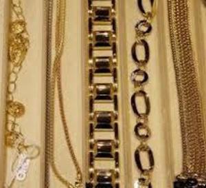 60 000 euros de bijoux dérobés par deux malfaiteurs dans les Yvelines
