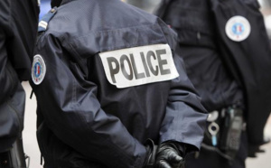 Les policiers et pompiers ont essuyé des jets de pierres alors qu'ils intervenaient pour des feux de poubelles (Illustration)