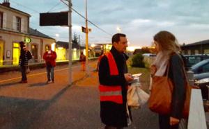 Ce mardi matin, les usagers des gares de Oissel, Caen et Carentan ont été sensibilisés aux règles de sécurité à observer (Photo @ SNCF)