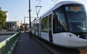 Collision entre une rame de métro et une voiture à Petit-Quevilly : la conductrice désincarcérée par les pompiers