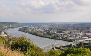 Crue de la Seine : deux ministres à la rencontre des sinistrés à Saint-Aubin-lès-Elbeuf