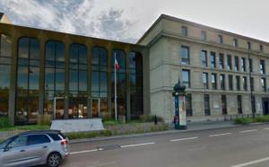 Manifestation de policiers à Versailles (Yvelines) : ils revendiquent la gratuité du stationnement