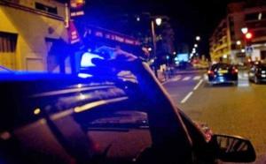 Pour s'amuser ont-ils déclaré aux enquêteurs, ils avaient mis un gyrophare de police sur le toit de leur fourgonnette - Illustration