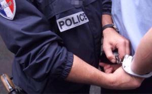 Deux policiers blessés par un mari excité à Aubergenville (Yvelines)