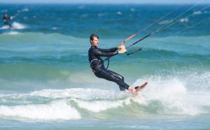 Deux kitesurfeurs en difficulté secourus au large de Merville-Franceville (Calvados)