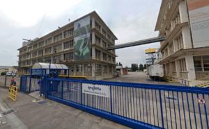 L'usine de Saint-Pierre-la-Garenne est classée Seveso seuil haut, en raison de la nature et de la quantité des produits stockés