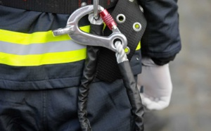 Les sapeurs-pompiers spécialisés dans les interventions en milieu périlleux ont pris en charge à la victime - Illustration © Adobe Stock