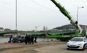 Le corps d'un homme de 70 ans découvert à l'intérieur de la voiture repêchée en Seine à Rouen