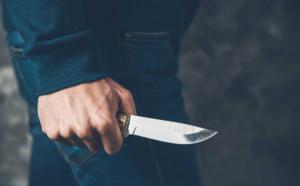 Yvelines : il se plante un couteau dans l'abdomen en apprenant qu'il va être père