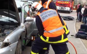 Montivilliers : une voiture s'enroule autour d'un arbre, le conducteur est grièvement blessé
