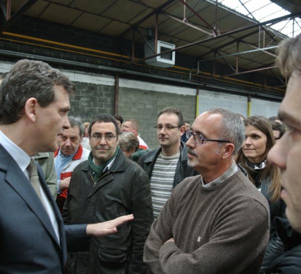 La visite d'Arnaud Montebourg à l'usine Sealynx à Charleval (Eure)