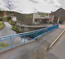 Accident à Montville : 500 litres de gasoil se répandent sur la route, les égouts et la rivière