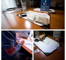 Arrêté à Paris, le voyageur s'apprêtait à quitter la France avec 300 000 € de diamants suspects
