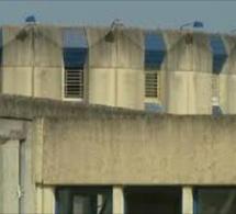 Un surveillant blessé par un détenu lors d'une fouille de cellule au centre de détention de Val-de-Reuil