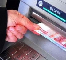 La mère et la fille menaient la grande vie avec les cartes bancaires volées à des personnes âgées