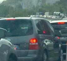 Trois accidents sur l'A13 ce matin dans les Yvelines : bouchon de 16 km entre Mantes et Poissy