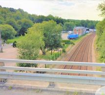 Un homme de 26 ans retrouvé pendu à un pont au-dessus des voies ferrées près de Rouen