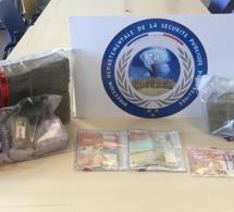 Yvelines : 19 kg de résine de cannabis et près de 1000€ saisis à Carrières-sous-Poissy